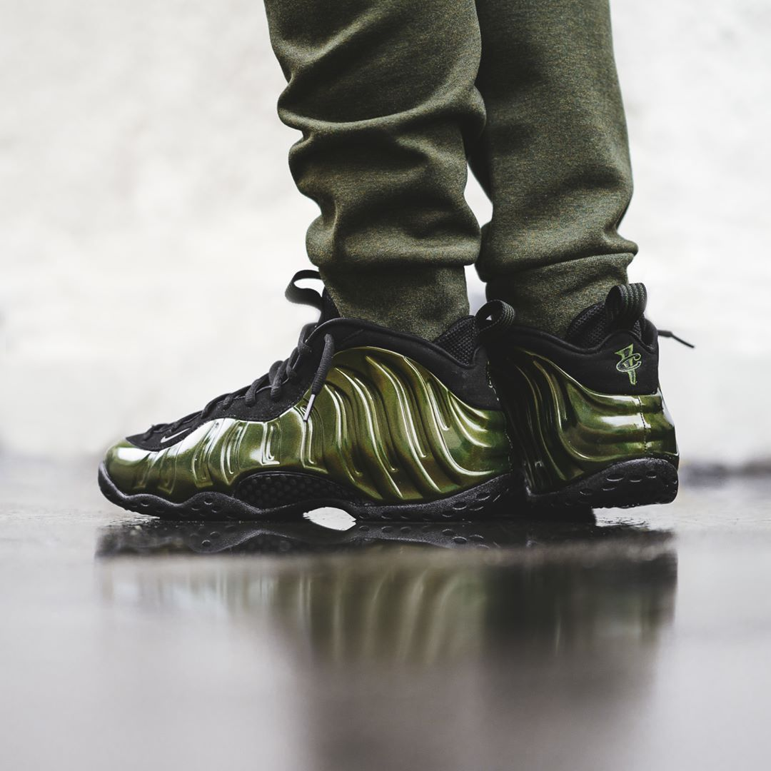 a640c108e6ab2 Nike Air Foamposite One « Legion Green » Credit   BSTN