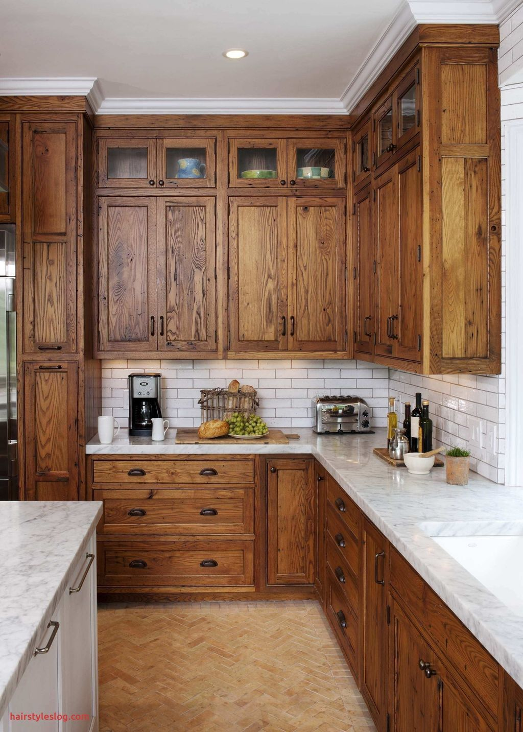 33 Nice Rustic Farmhouse Kitchen Cabinets Design Ideas Country Kitchen Cabinets Determine De In 2020 Stained Kitchen Cabinets Hickory Kitchen Cabinets Rustic Kitchen
