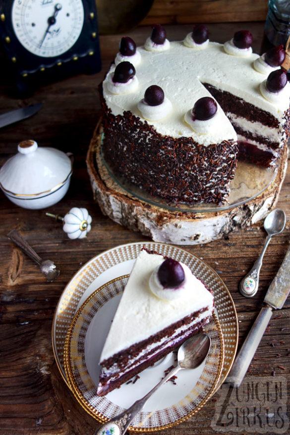 Winterliche Schwarzwalder Kirschtorte Mit Gluhwein Leckere Torten Kuchen Und Torten Kirschtorte