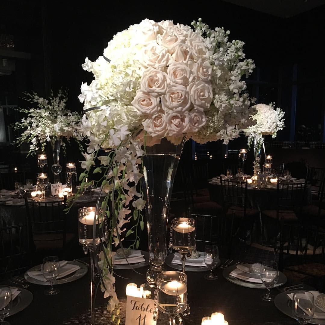 Modern white florals were the focal point of last night's reception at the @mo_newyork!