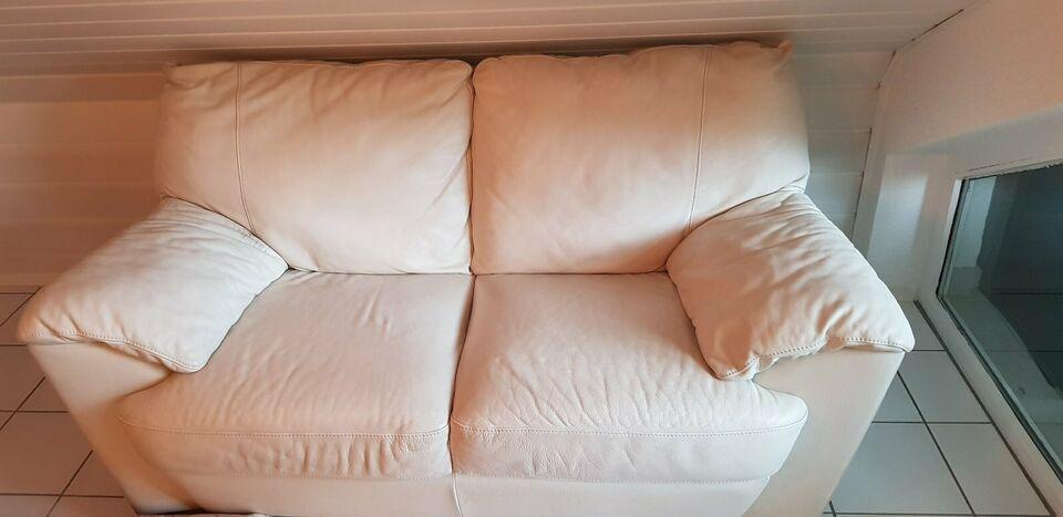 Zu Verschenken Und An Selbstabholer Achtung Wird Beim Nachsten Sperrmull Entsorgt Falls Sie Jemand Haben Mochte Bitte Melden Sie Ste In 2020 Ledercouch Couch Weiss