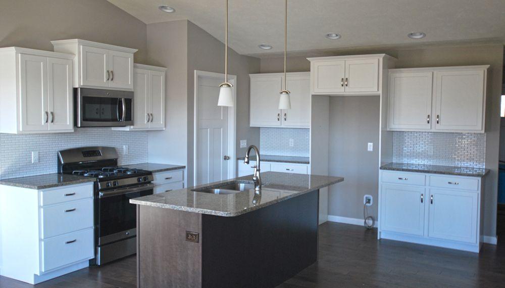 Aristokraft Benton Birch White Kitchen With Flagstone Island Counter