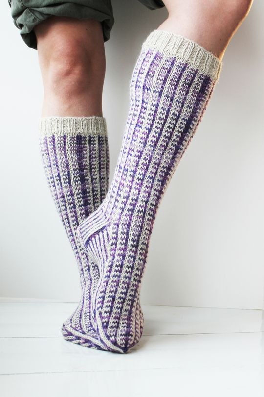 Kirjoneulesukat Novita Nalle ja Novita Nalle Taika   Novita knits