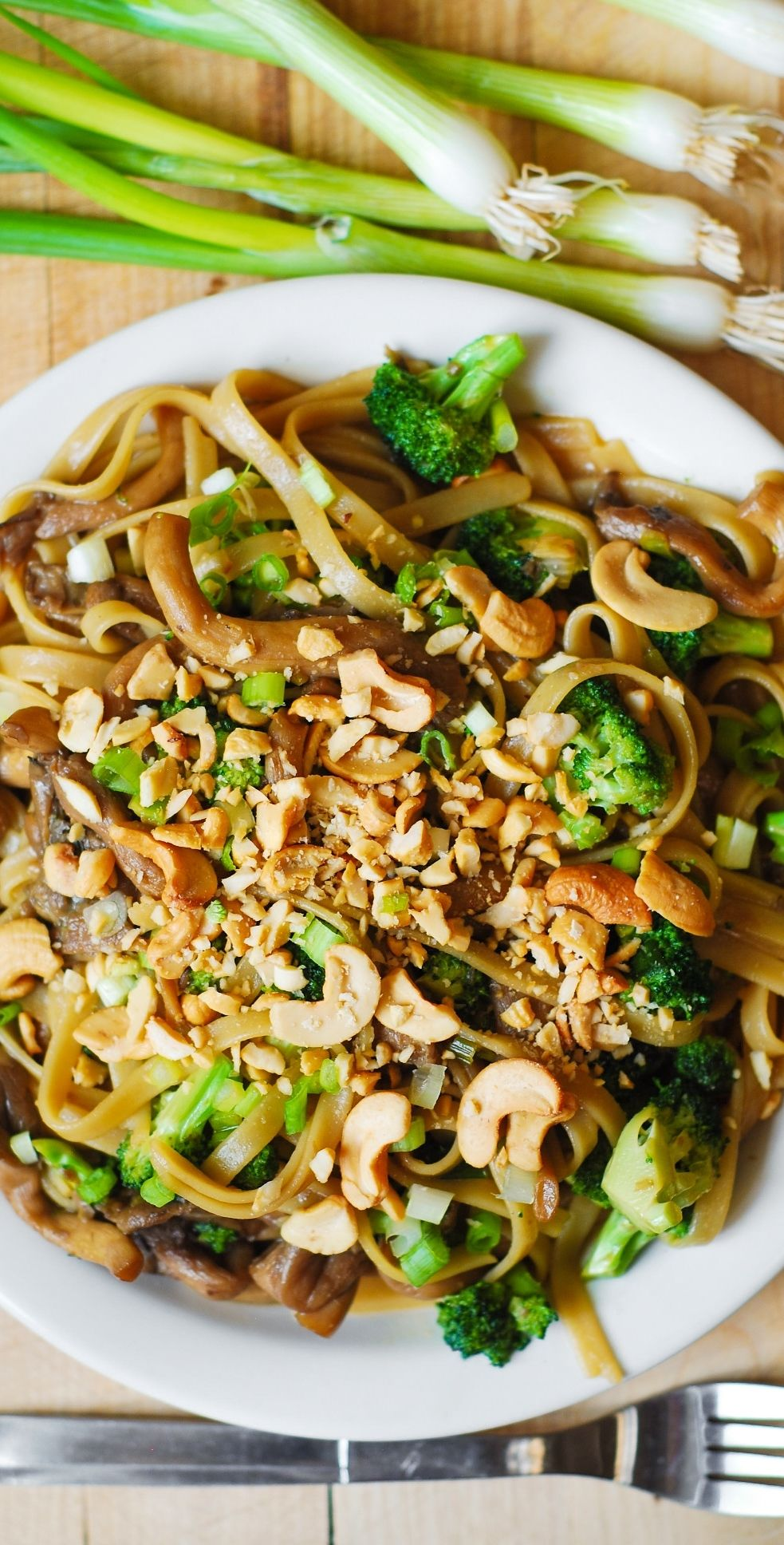 Asian Flavored Pasta With Broccoli And Oyster Mushrooms Vegetarian Gluten Free Recipe Using Fettuc Asian Pasta Oyster Mushroom Recipe Mushroom Recipes Pasta