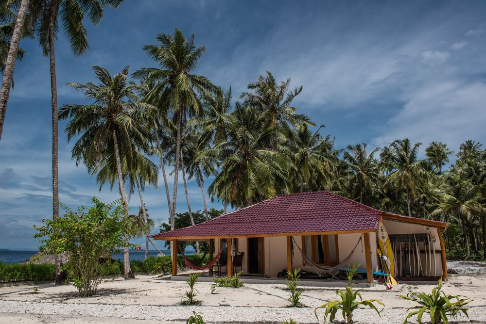 Come Join Affordable Surf Holidays At Puriasuresort Com Family Friendly Resorts Resort Surfing Destinations
