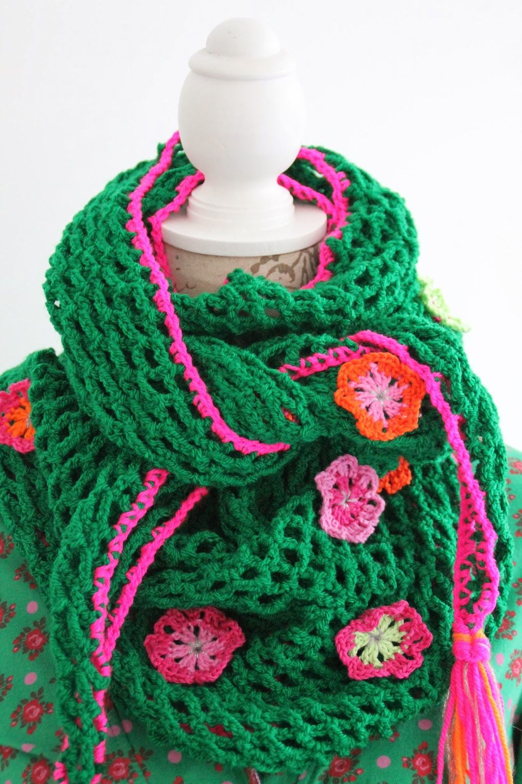 De Haakzolder Sjaal Omslagdoek Haken Met Bloemen Haken Crochet