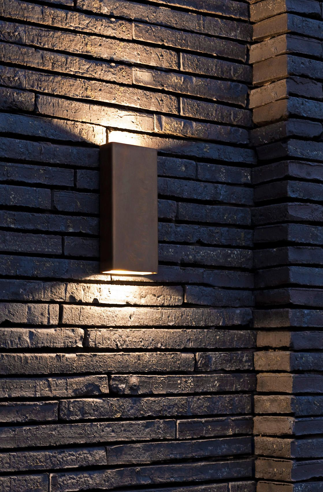 Simply Pillar Up Down Wall Medium Brass Led By Pvd Concept