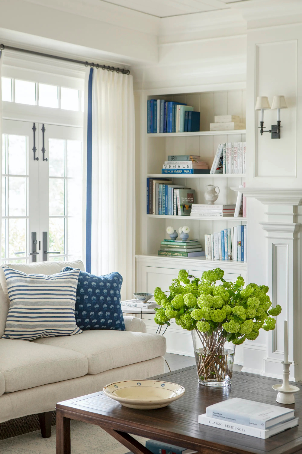 Decorating With Blue & White Stripes   Beautiful House in 2021   Home living room, Family ...