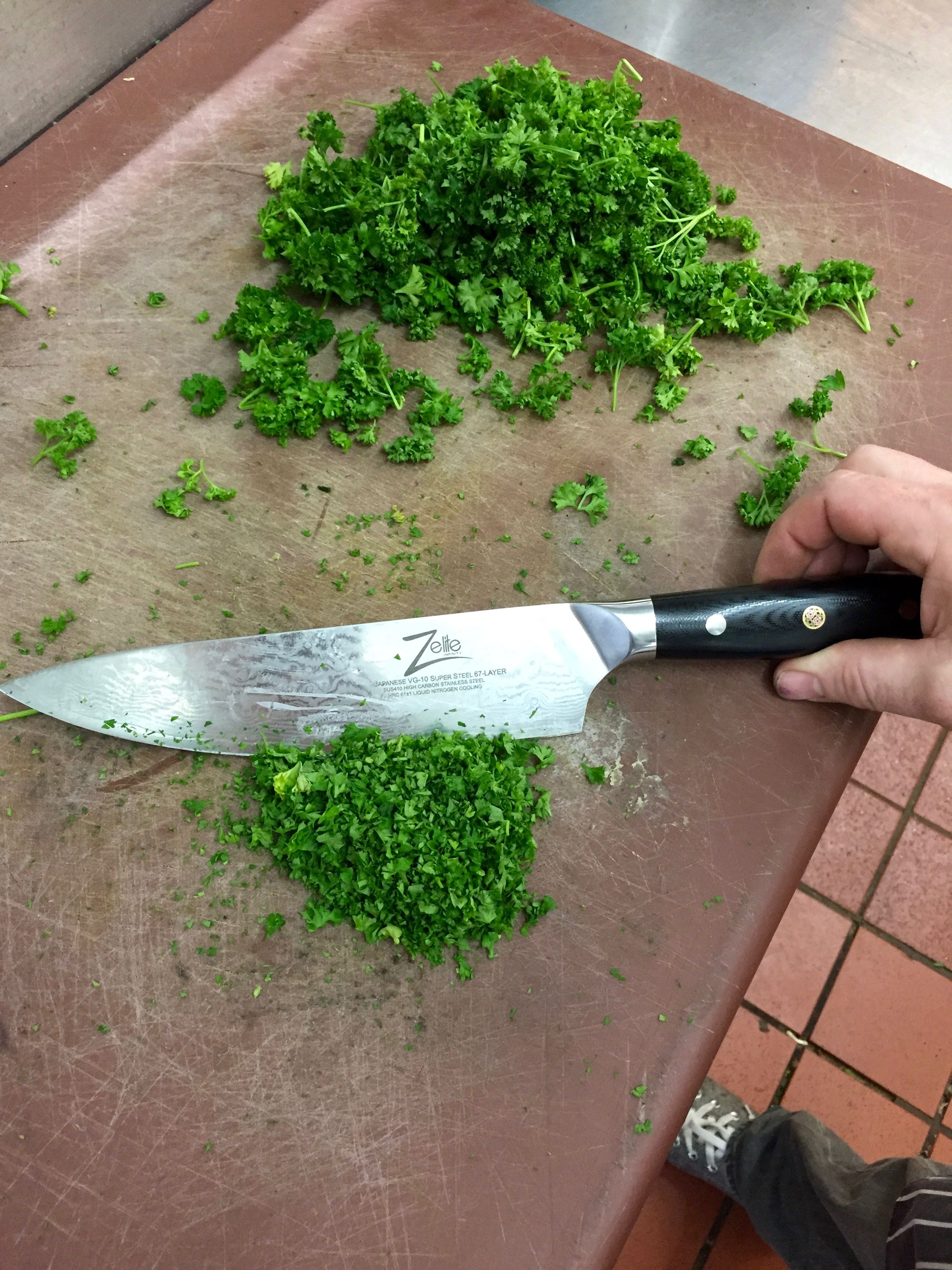 Head Chef from Ramside Hall Hotel just finished mincing some Fresh Parsley! Black Friday Deal Now Available! http://www.amazon.com/Zelite-Infinity-Stainless-Steel-Razor-Retention/dp/B0110EKTUU/ref=cm_cr_pr_product_top?ie=UTF8
