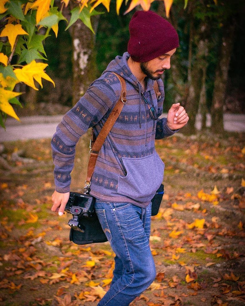 @ismaelshimizu  Fotógrafo tem que ser fotografado também • • • • 📷 #lookslikefilm #toptags #lovemyphotos #makeportraits #folkphotography #modelwanted #creative_portraits #adventurealways #livefolk #explorationgram #justgoshoot #chasinglight #portraitpage #hotisthenewblack #bleachmyfilm #visualauthority #ftwotw #under3kyo #featurepalette #coolocean #ftmedd #photographysouls #quietthechaos #folkportraits #ftmeof #sonyalpha #bravoportraits #followmyadventure #alphacollective #collectivetrend