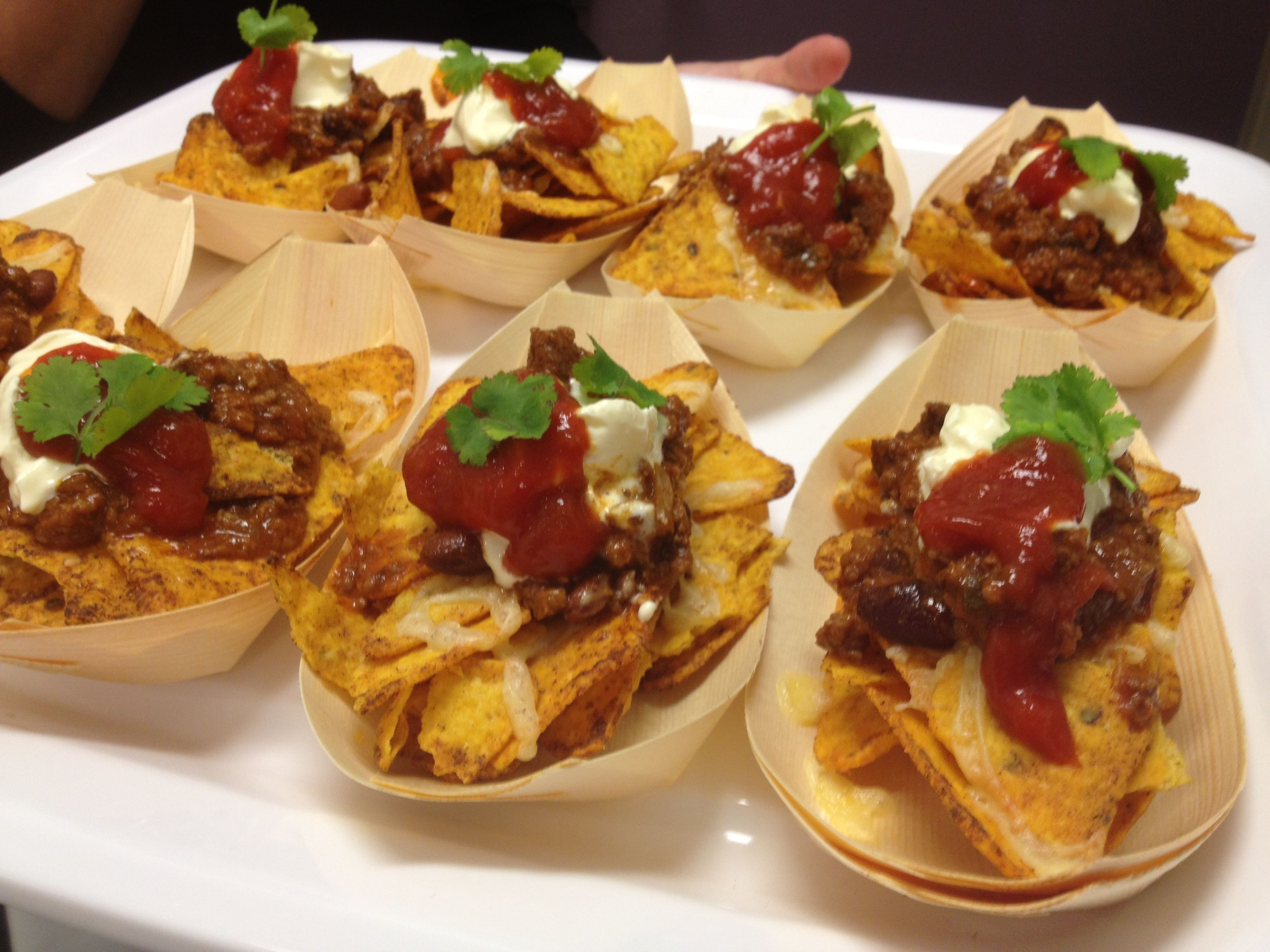 Mexican canape mini beef nacho bowl canap s for Party canape ideas