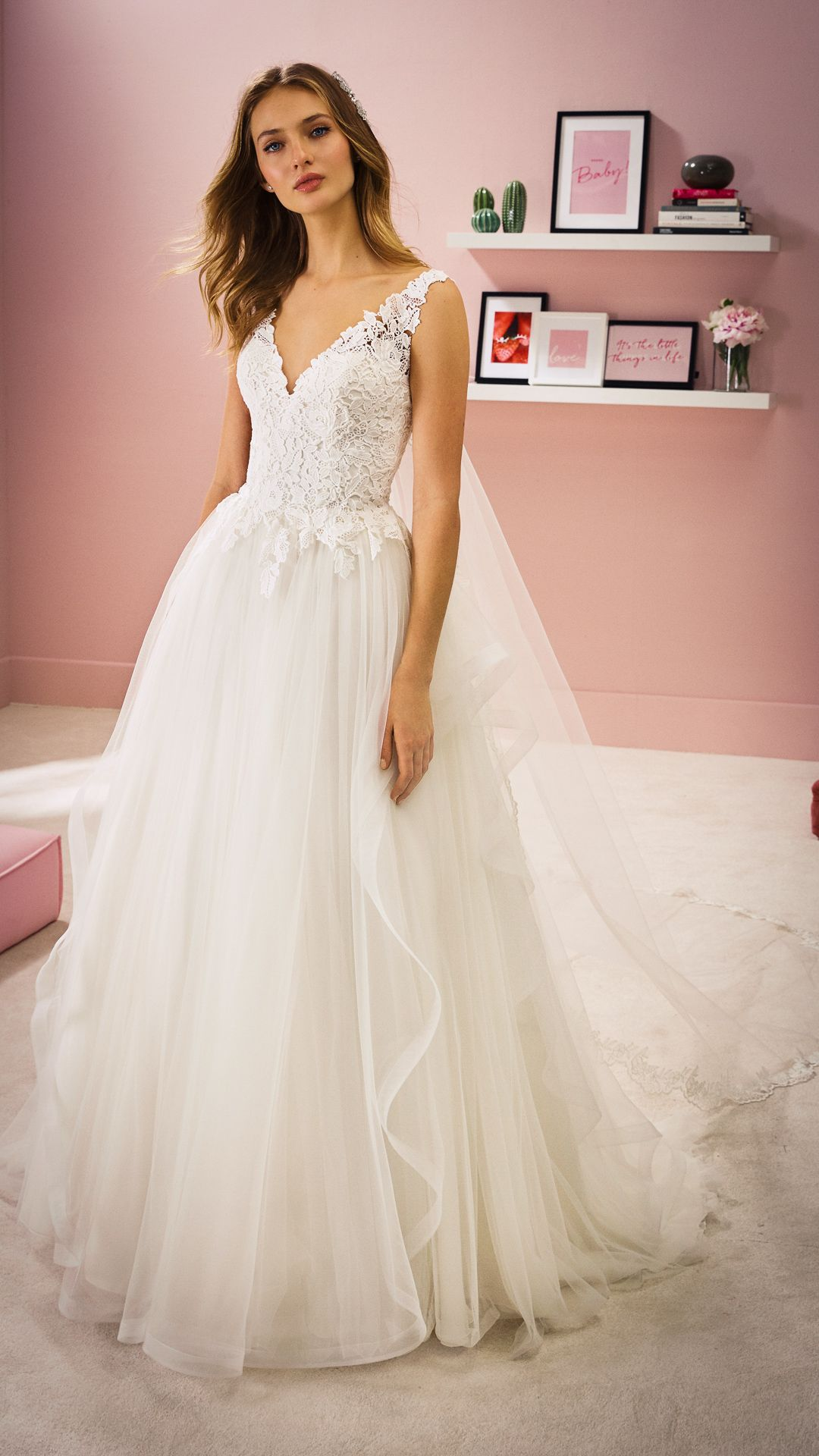 Hochzeitskleider 16 White One Kollektion Modell: ELLA-B