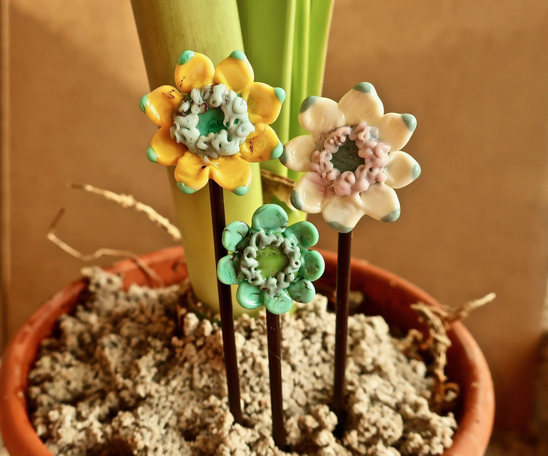Decorative Indoor Garden Stake Set Floral Plant Stake Set 400 x 300