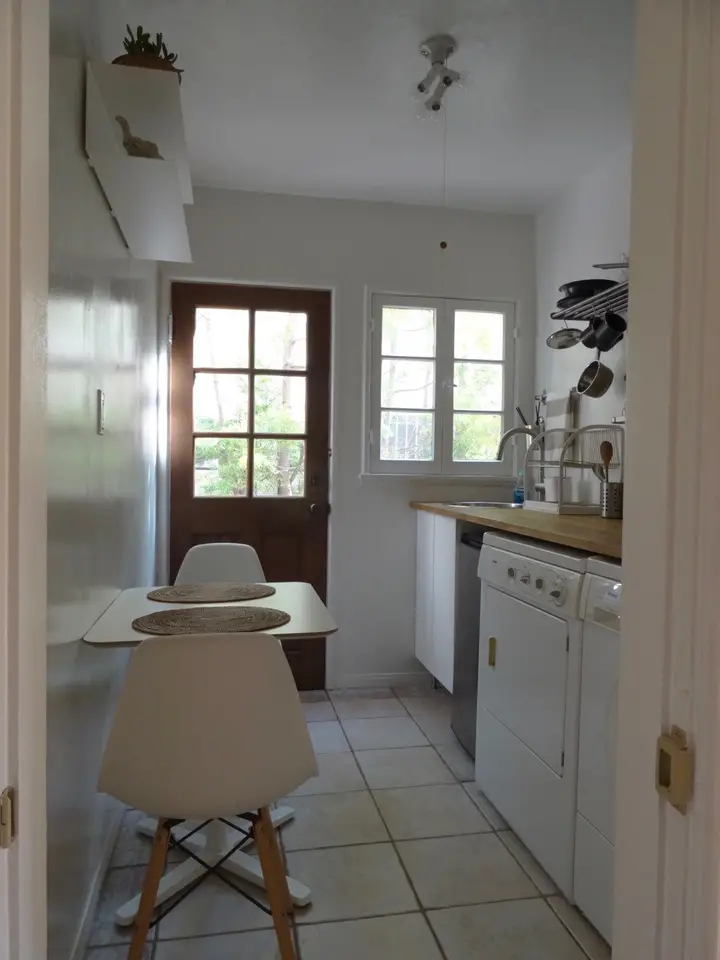 Private Entrance 1 Bedroom Kitchenette Bathroom Houses For Rent In Los Angeles Renting A House House Kitchenette