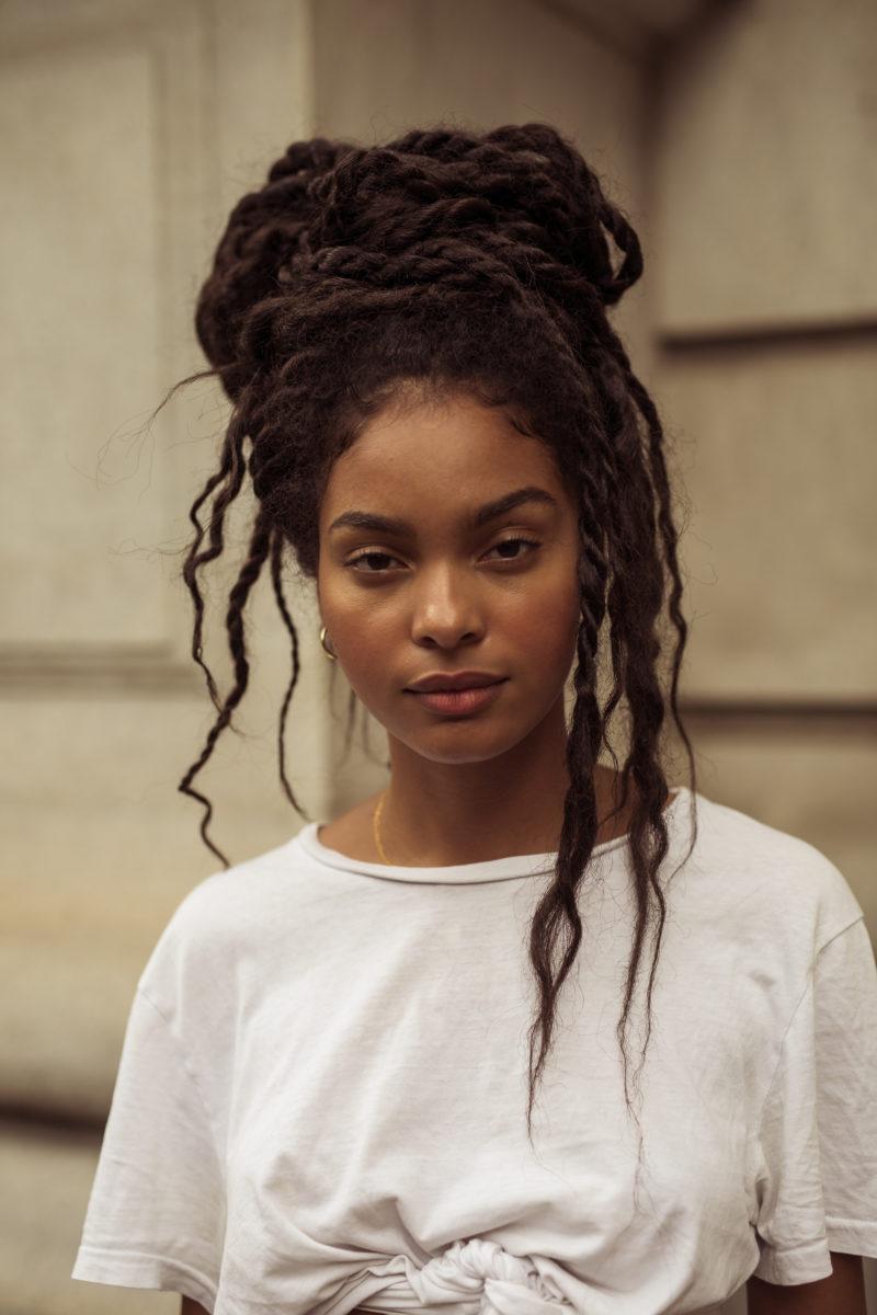Street Style Beauty Looks From New York Fashion Week In 2020 Beauty Hair Styles Twist Braid Hairstyles