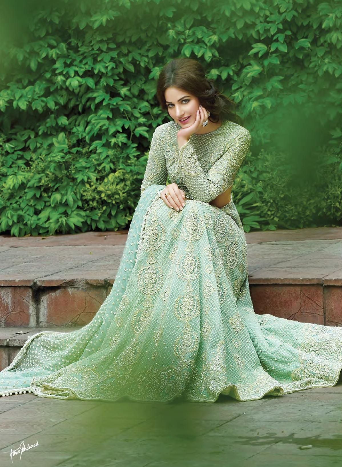 faraz manan bridals f w 2015 high fashion pakistan. Black Bedroom Furniture Sets. Home Design Ideas