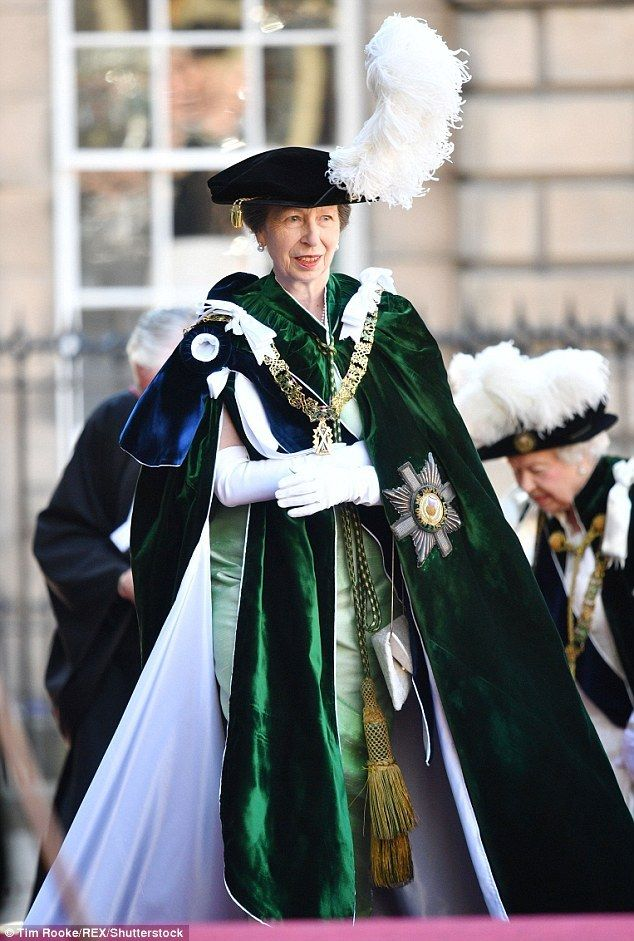 Queen Elizabeth II, Prince William, Duke of Cambridge and