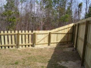 6 Foot Privacy Fence Transitions To 4 Foot Picket; Put The Boards On  Alternate Sides To Hide The Rails From Both Sides.