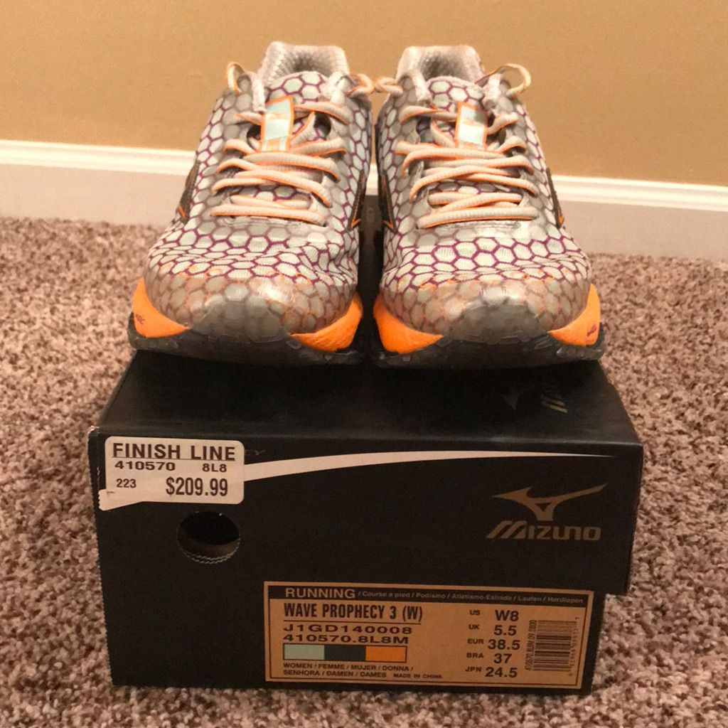 mizuno running shoes size 8 mujer