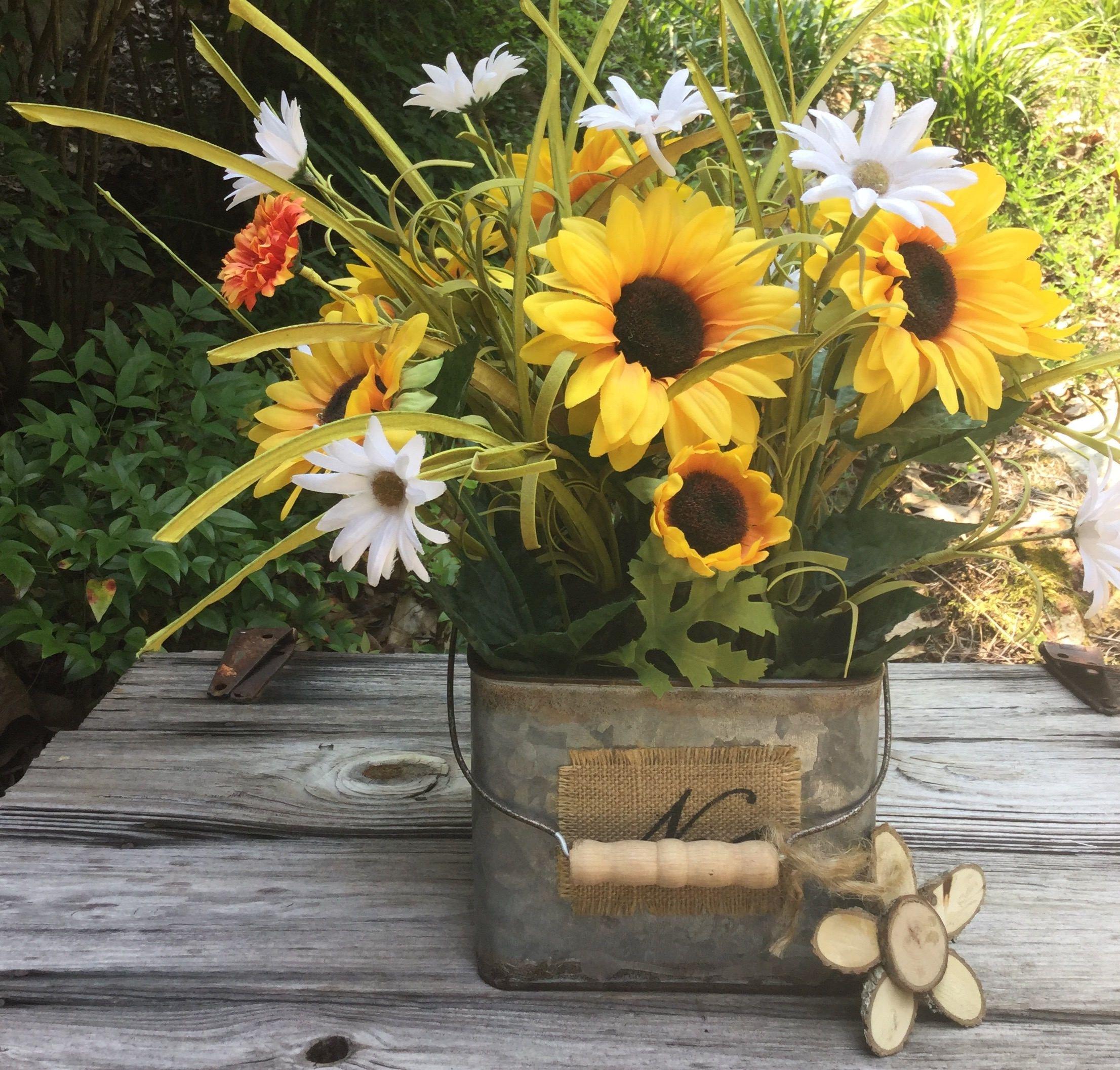 Sunflower And Daisy Floral Arrangement Sunflower Centerpiece