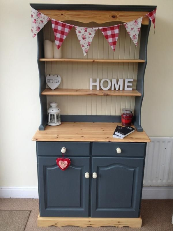 Painted Kitchen Dresser Love The Raw Timber Combined With Bunting