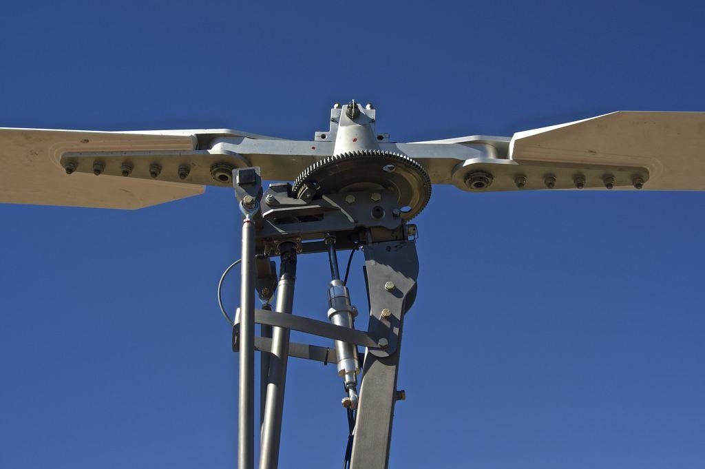 Australian designed and assembled Titanium Explorer gyro rotor head