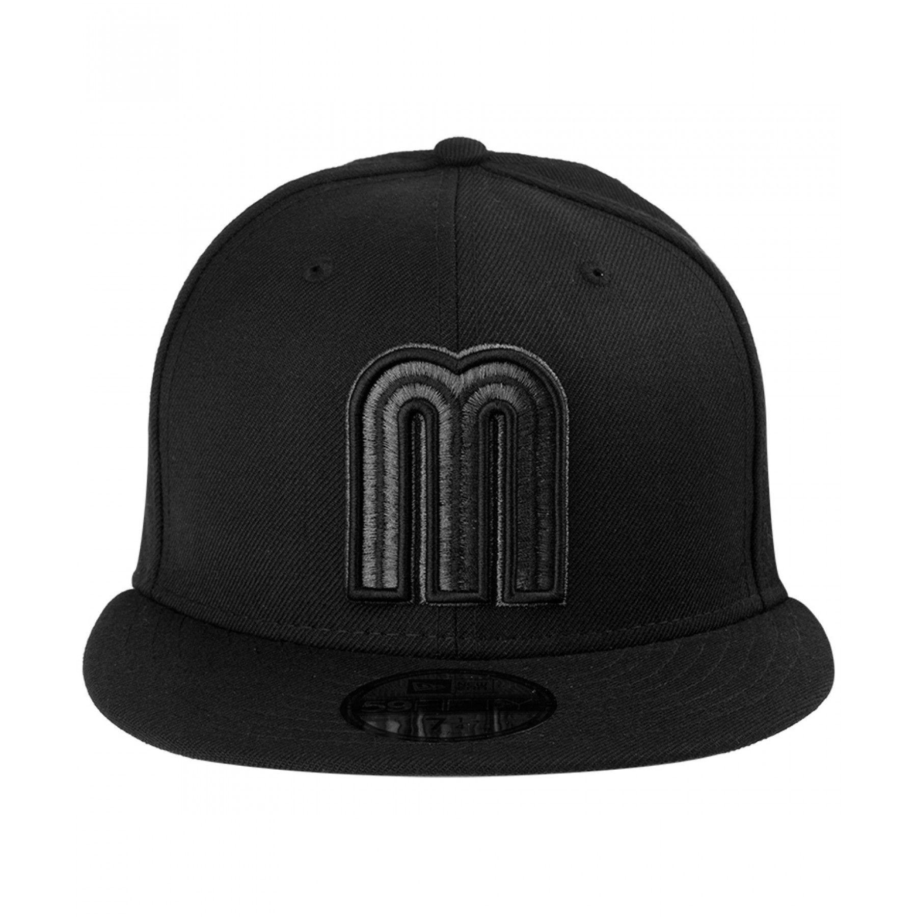 Gorra New Era para hombre en tejido de punto color negro con diseño alusivo  al clásico 21b631a190e