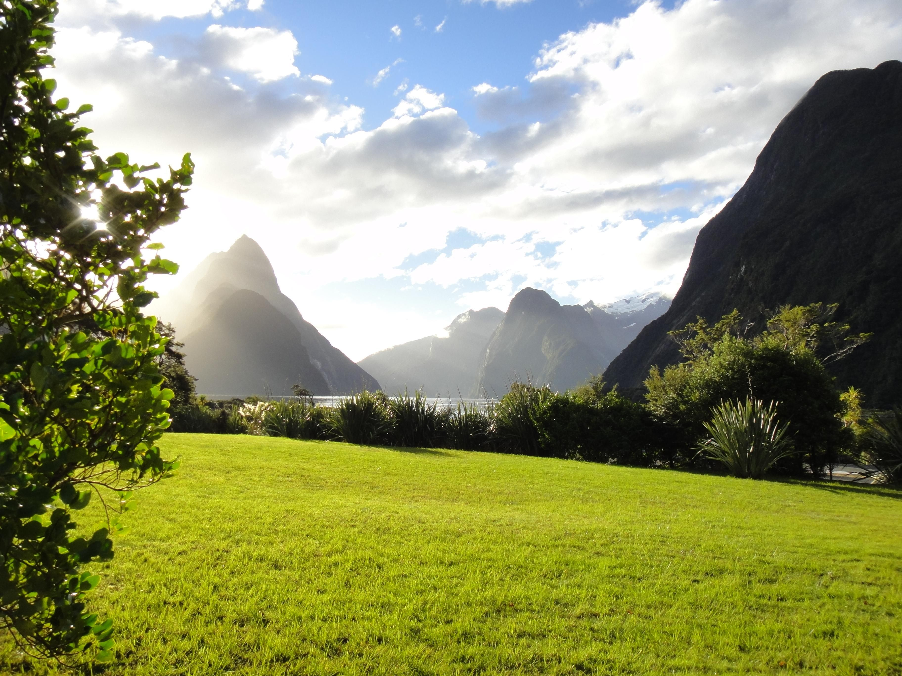 This Is Beautiful Unedited Shot My Friend Took While We Were Travelling New Zealand Milford Sound Is Incredible Oc Landscape Pictures Earthporn Landscape