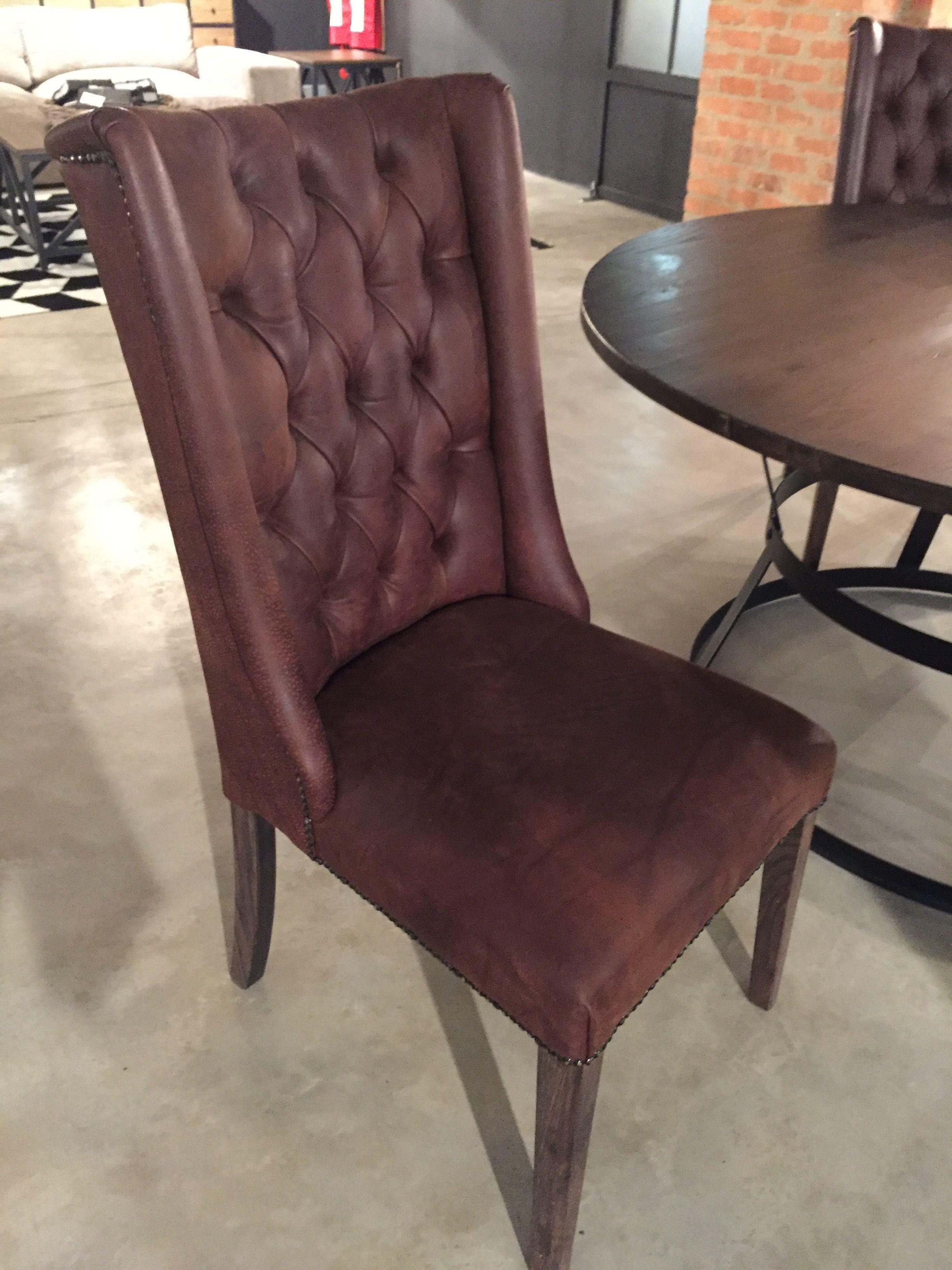 Lara Chair Colour: CoCo Leather R5695