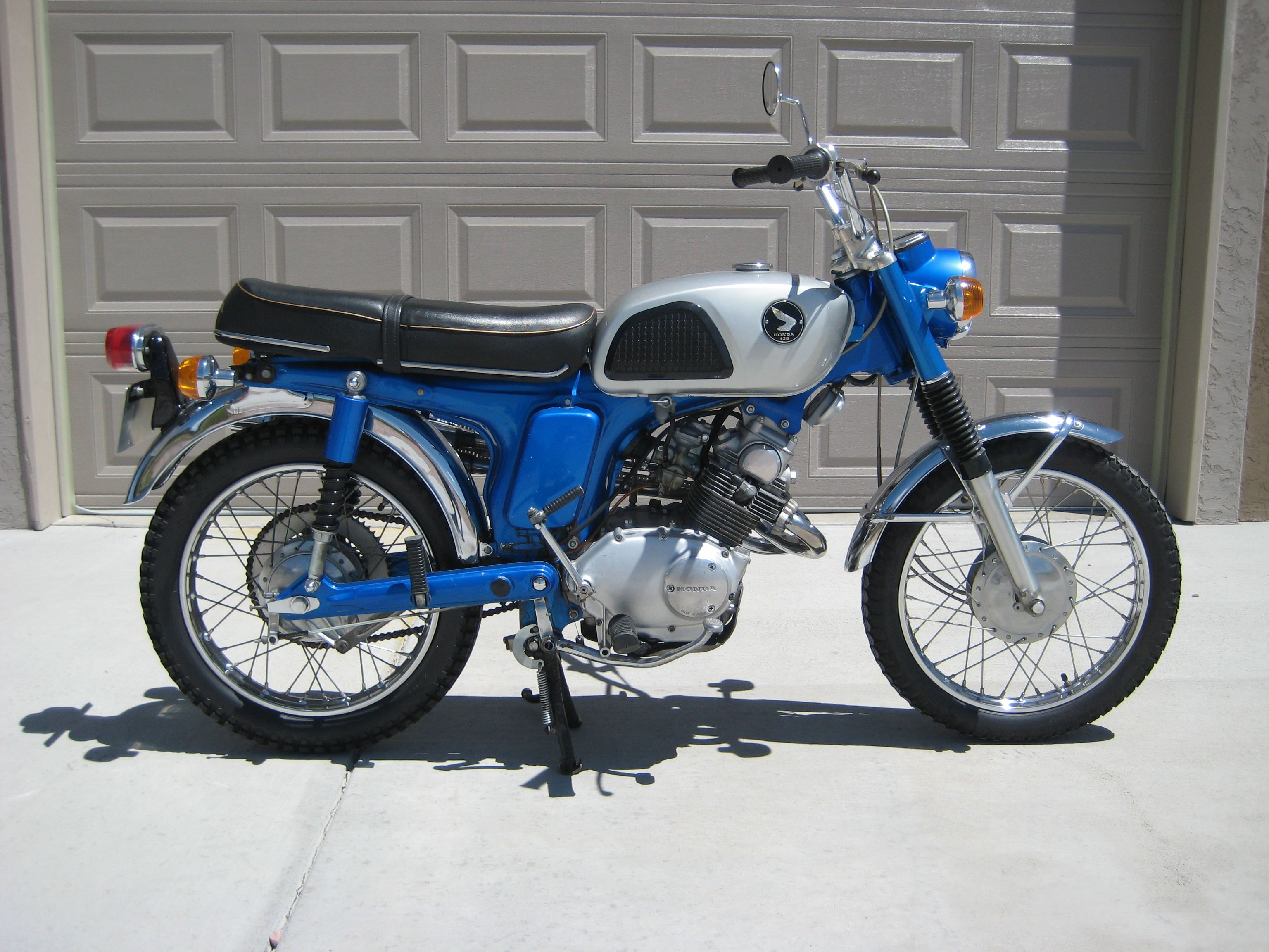 1968 Honda Cl125a 125cc Twin With 4spd Transmission Cafe Racer Honda Honda Bikes Vintage Honda Motorcycles