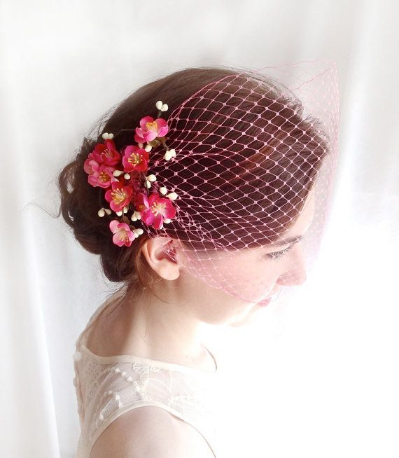 """Ivory birdcage veil 9/"""" with pearl flower feather comb fascinator Veil detatches"""