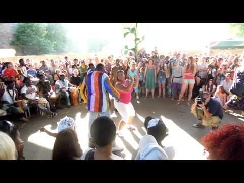 Afrika-Festival Würzburg - Trommler unter der Main-Brücke 2