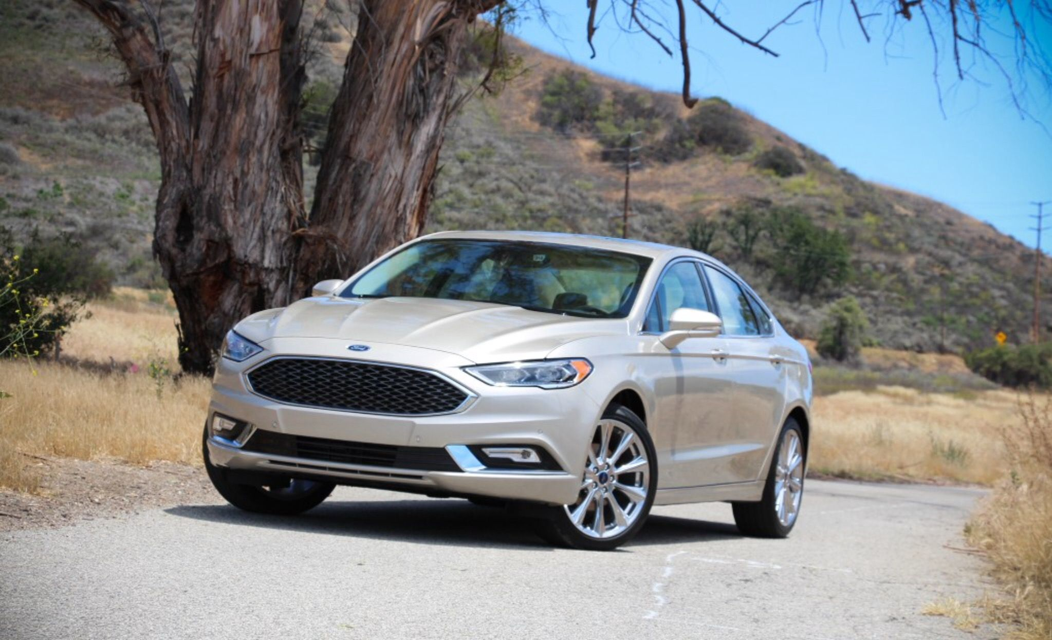 platinum groovecar gold sedan fusion hybrid s white large research composite ford