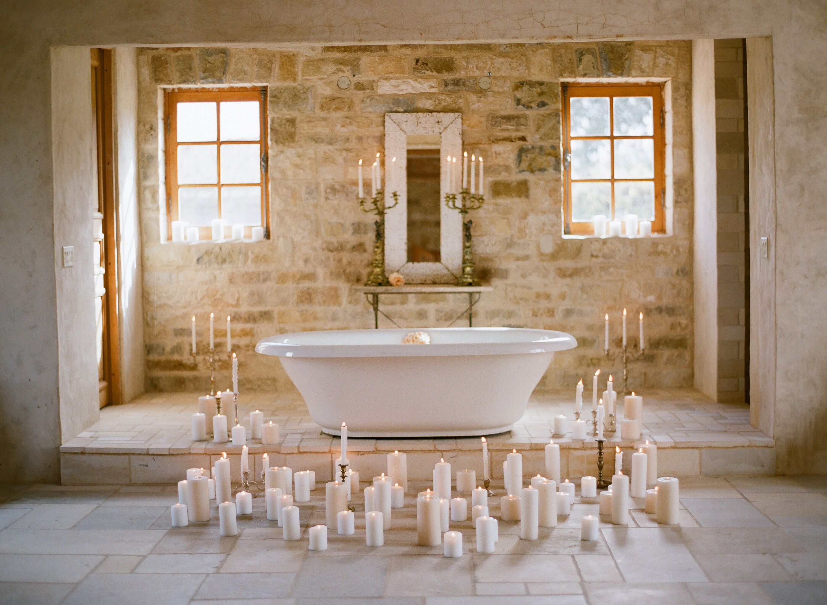An Elopement With A Carefree Spirit Once Wed Romantic Bathrooms Bathroom Design Candles Bathtub