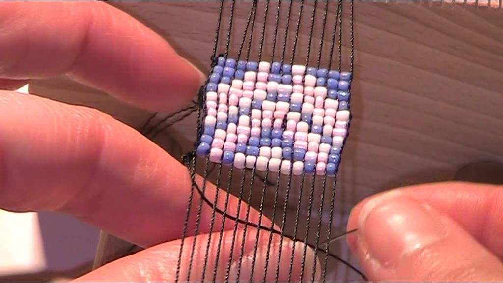 anleitung mit perlen weben 1 schmuck pinterest weben perlen und anleitungen. Black Bedroom Furniture Sets. Home Design Ideas