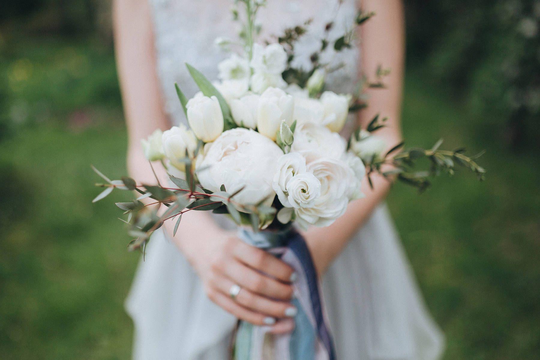 Цветов снегу, свадебные букеты от анны