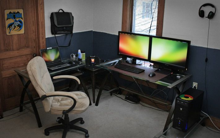 Small Computer Desk Setup