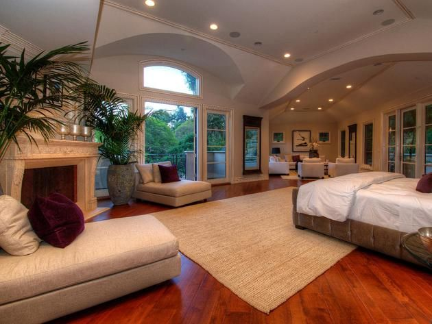 Mansion Master Bedrooms