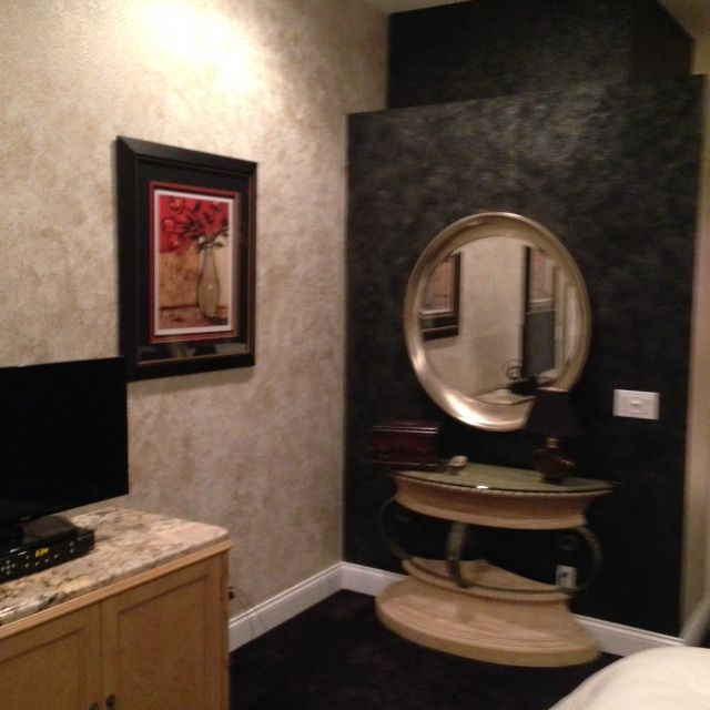 wall finishes add texture and in this case glamor in a on kim wall id=72072