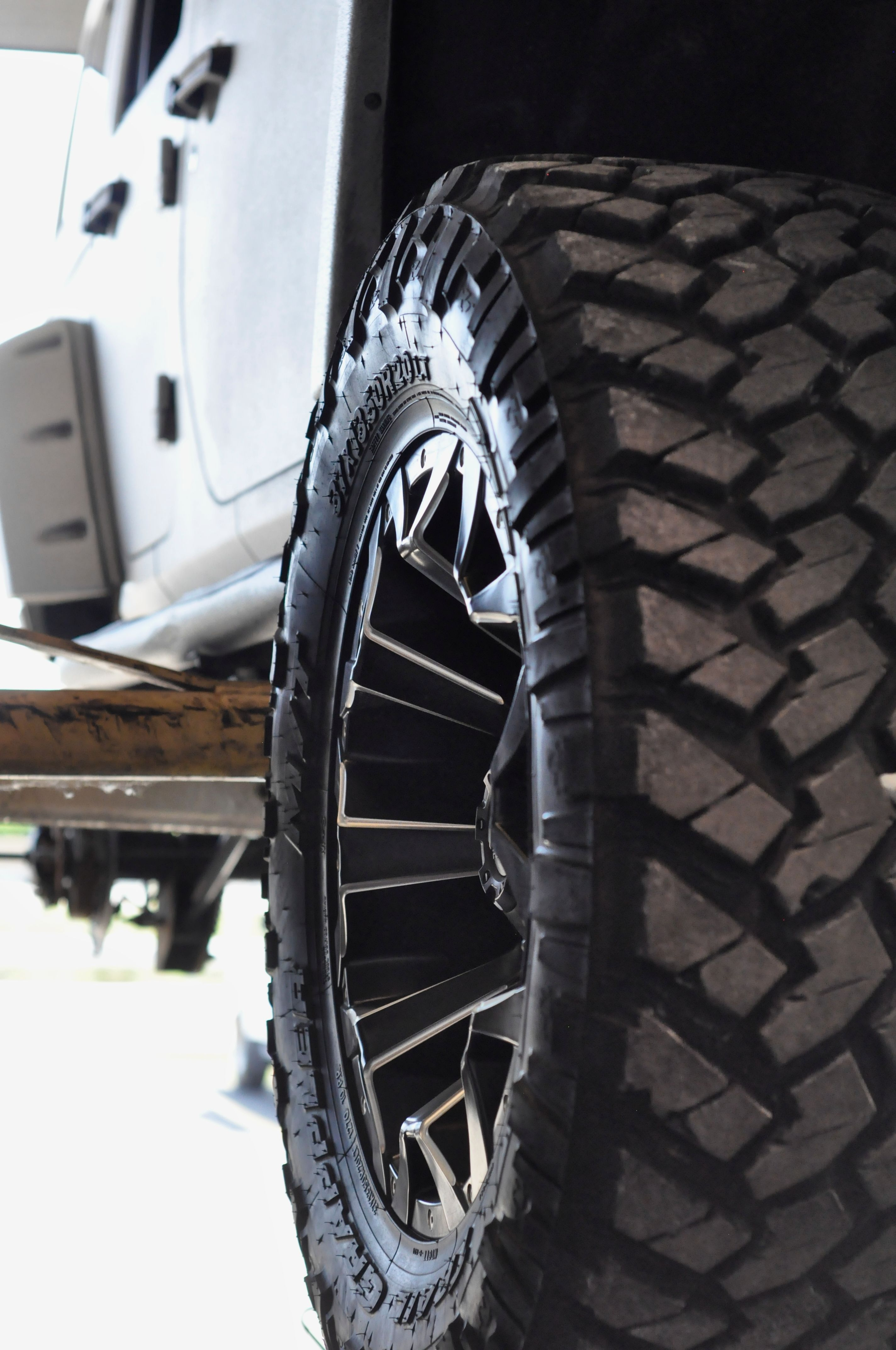 37 Inch Nitto Tire On A 20 Inch Fuel Off Road Wheel At Axleboy
