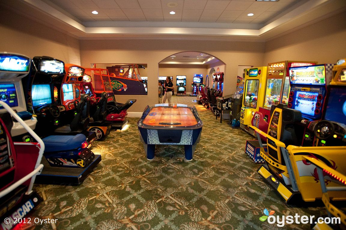 Disney 39 s port orleans resort french quarter review what - Game room in house ...