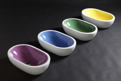 Badezimmer Ideen   auffallende farbige Waschbecken ...