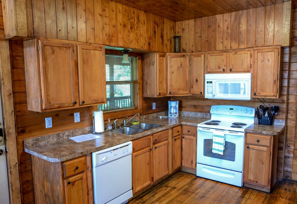 primitive kitchens,rustic kitchen decor,log home kitchens,log cabin kitchens,primitive log home cooking pits  01378