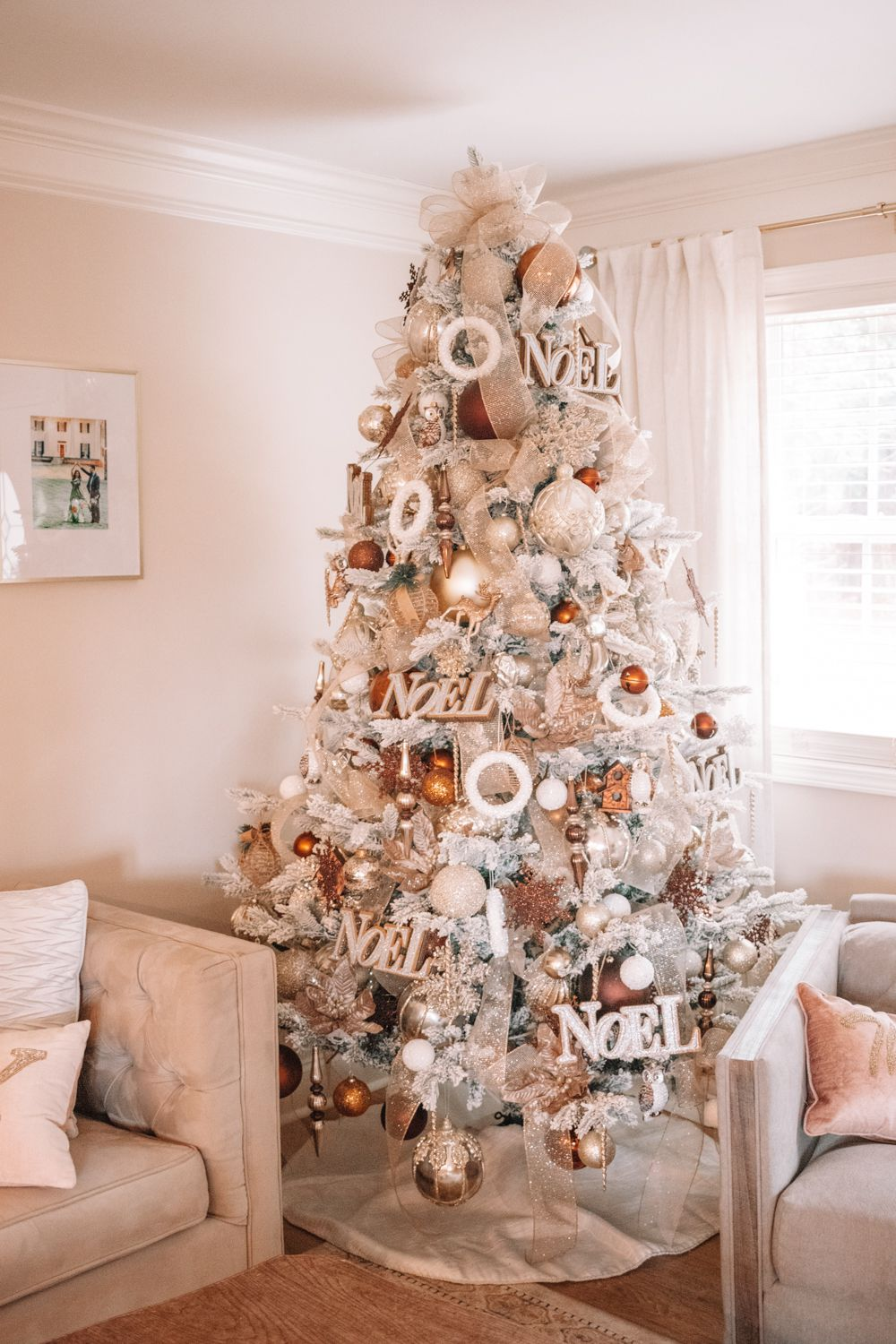 Home Bargains Christmas Room Decorations Christmas Decorations For Dining Room Chandelier Christmas In 2020 Christmas Room Decor Cute Room Decor Dining Room Chandelier