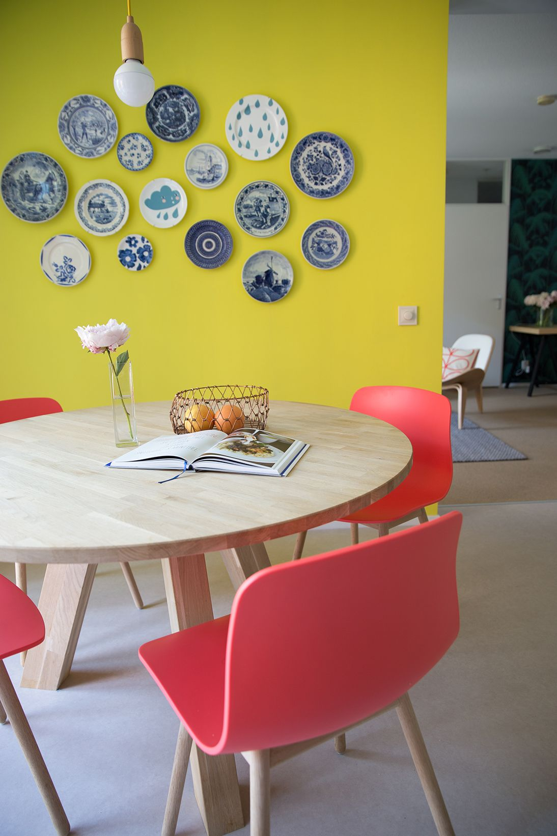 Femkeido Interior Design - Project Delft. I LOVE the idea of plates ...