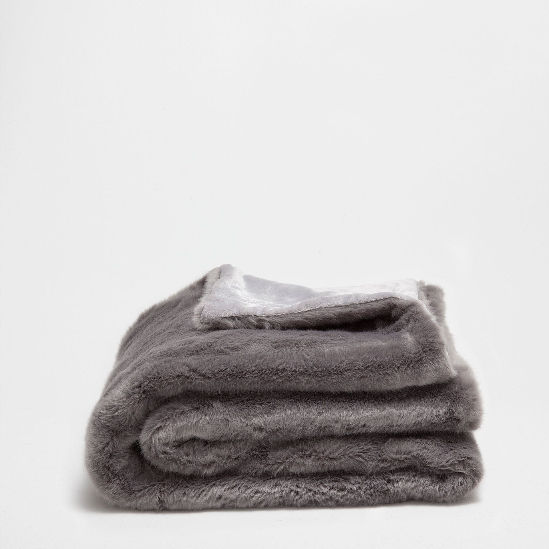 Faux Fur Throw Blanket From Zara Home