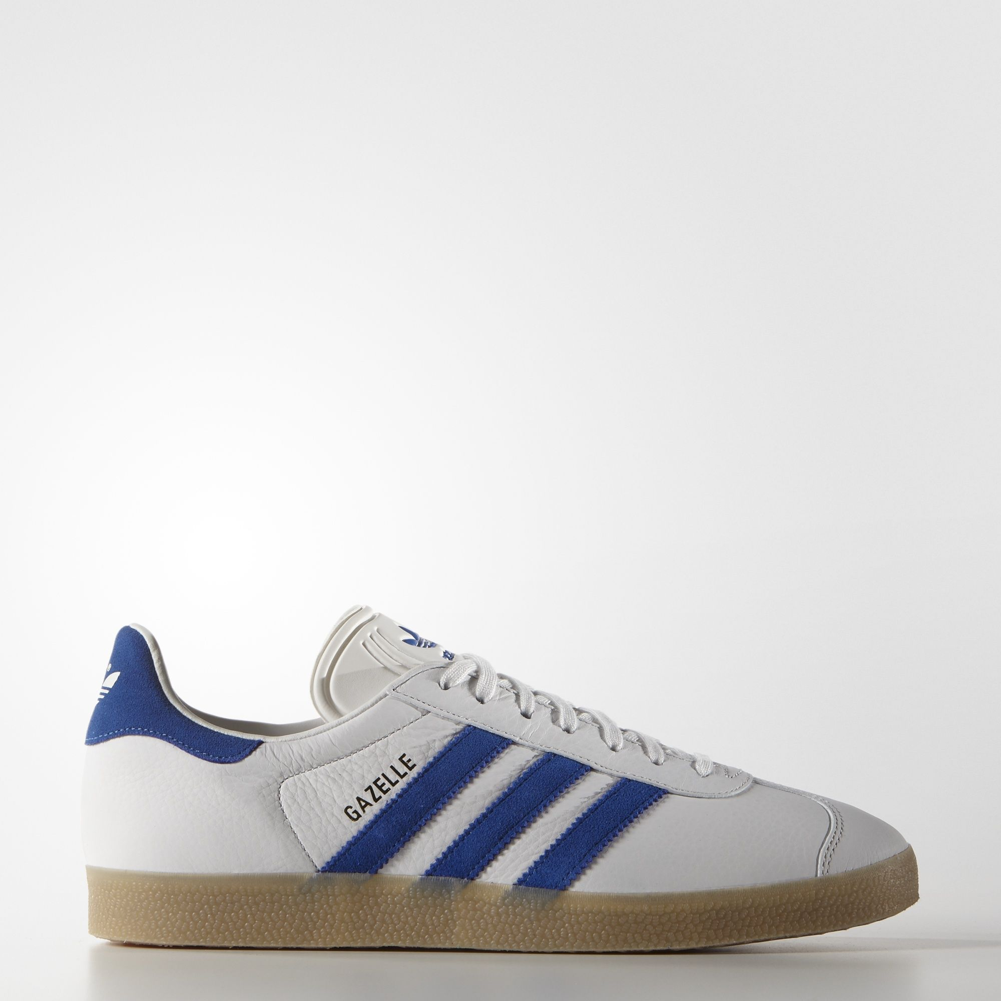Plenty of new Gazelle colourways this season including this pair in Vintage  White / Bold Blue