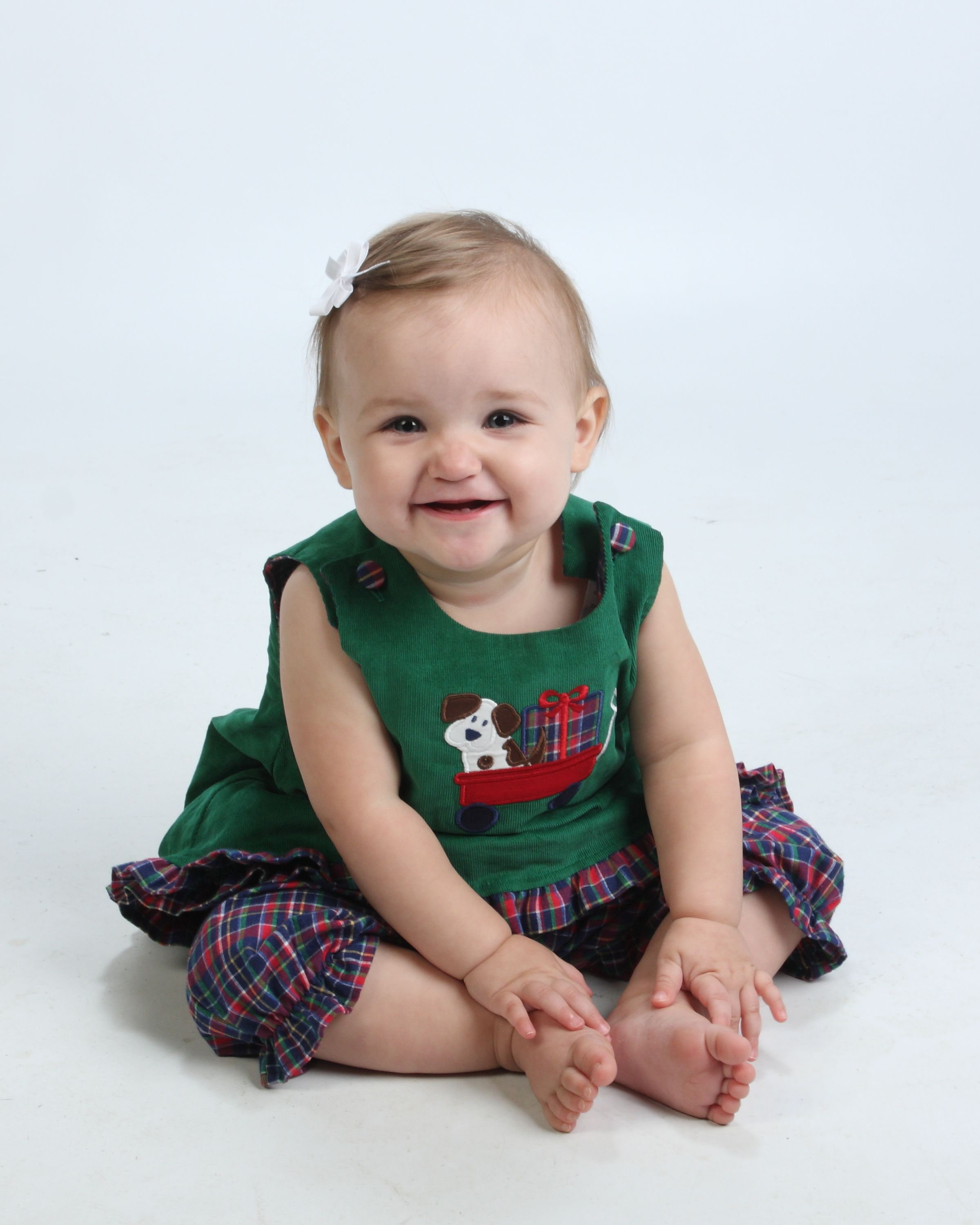 How cute would your little angel be in this reversible puppybow