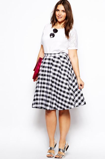 6d5e571eb1 A-libe check skirt with basic tee. For more inbetweenie and plus size style  ideas go to www.dressingup.co.nz