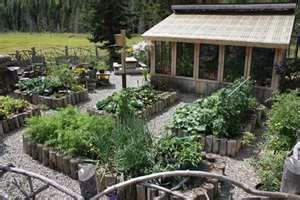 Belinda's Secret Garden on www.motherearthnews.com...my dream garden!